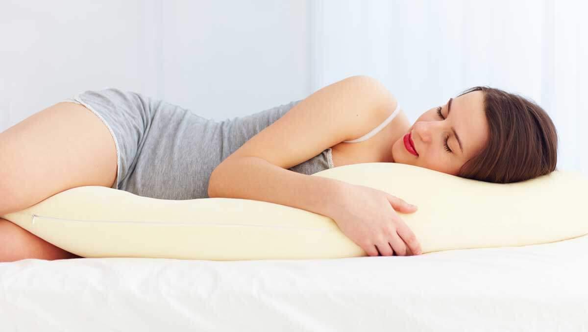 Dürfen Schwangere auf dem Bauch schlafen?